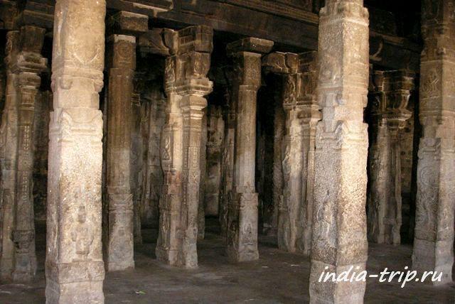 Храм Вирупакши внутри