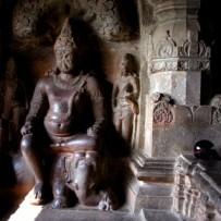 Каменные боги