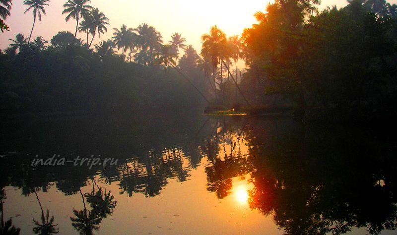 Солнце отражается в воде