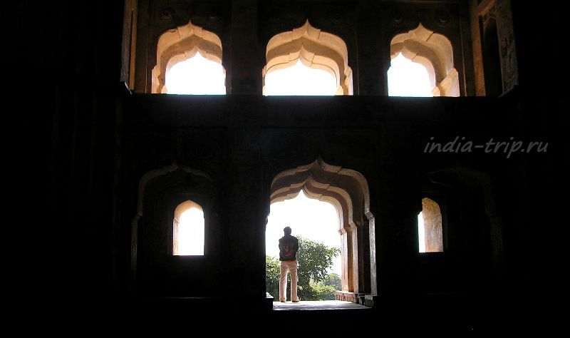 Стена храма Чатурбхудж