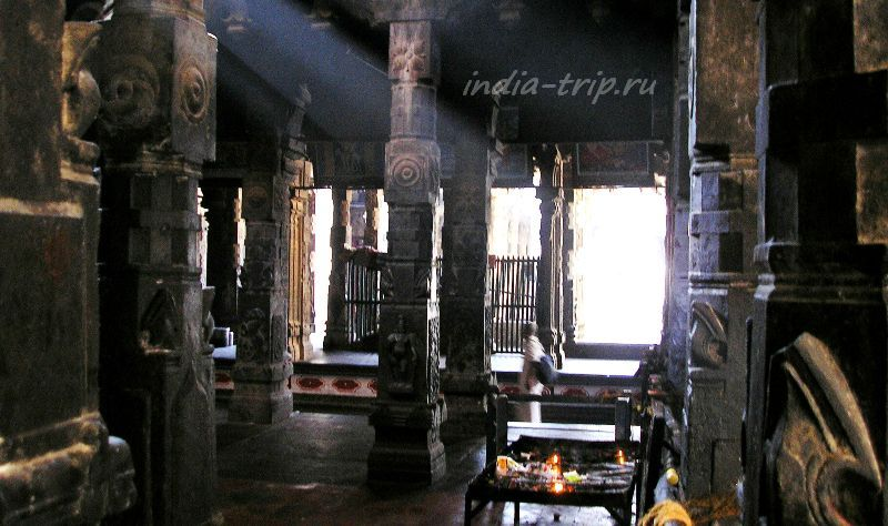 Чидамбарам, внутри храма Шивы Натараджи