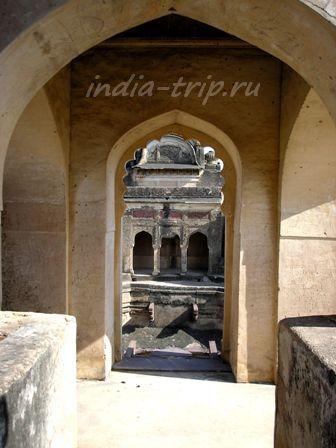 Балкон храма Лакшми Нараян