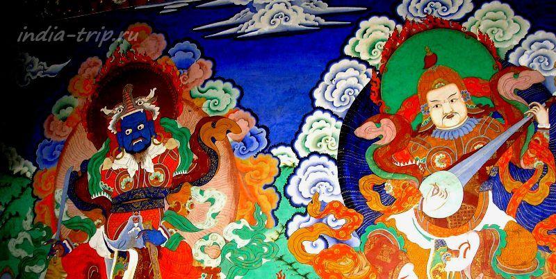 Ладакх, фрески на веранде храма в монастыре