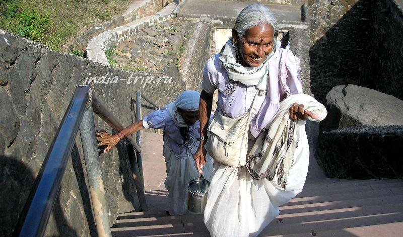 Женщины-паломницы в Индии