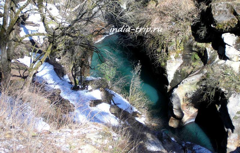 Обрыв к реке Парвати