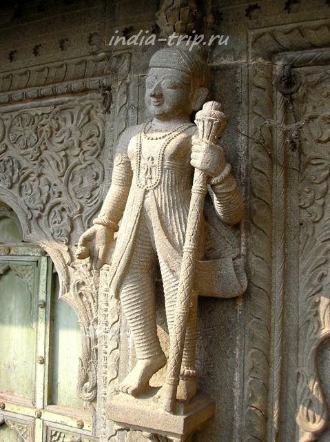 Скульптуры Махешвара