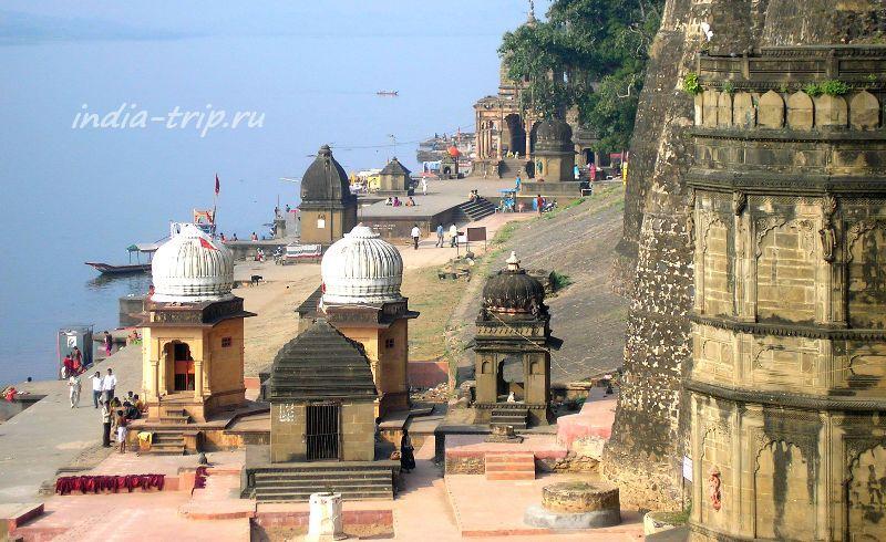 Прибрежные храмы Махешвара