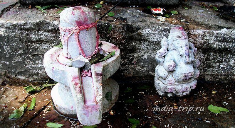 Ганеша и лингам - символ Шивы в Рамешвараме