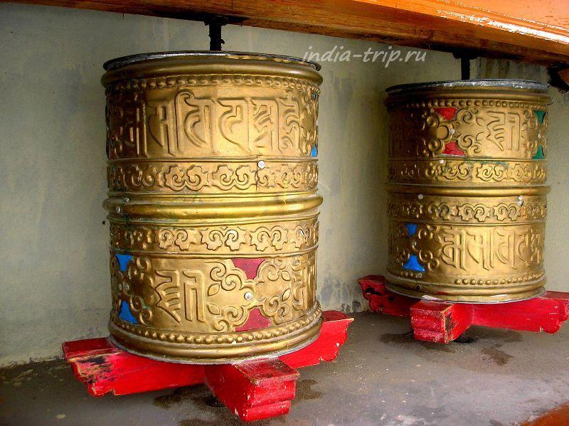 Два молитвенных барабана