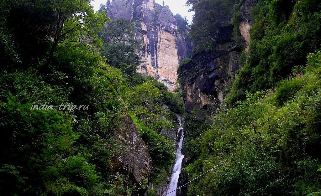 Лицо водопада Йогини