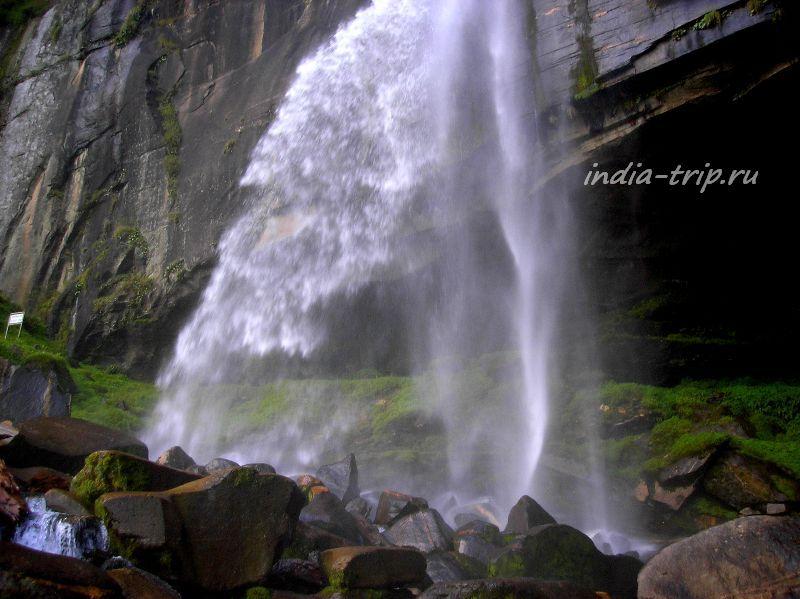 Водопад Йогини в Вашиште