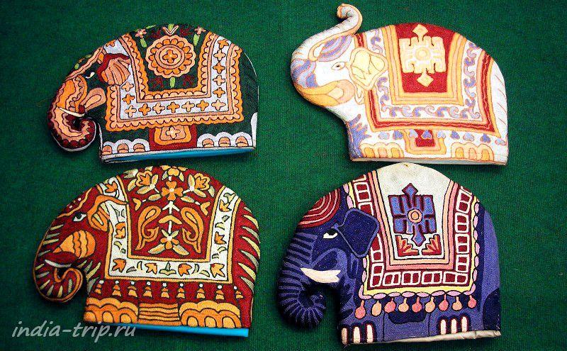 Слоники в кашмирском магазине