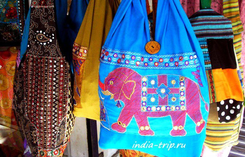 Синяя сумка с розовым слоником