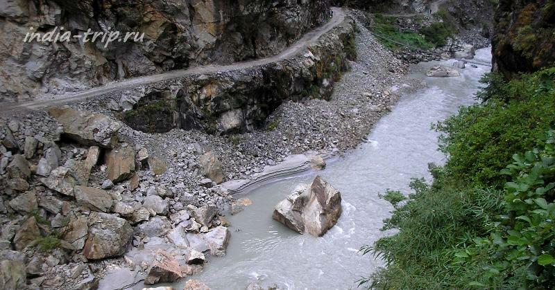 Камни на реке Марсъянди