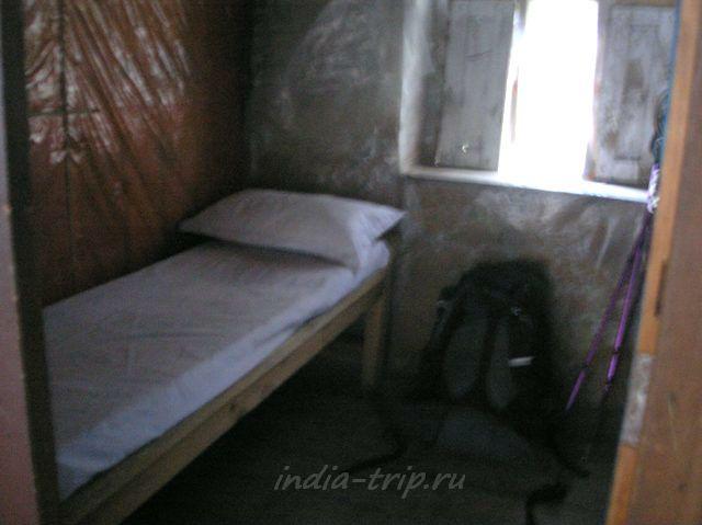 Комната в Братанге