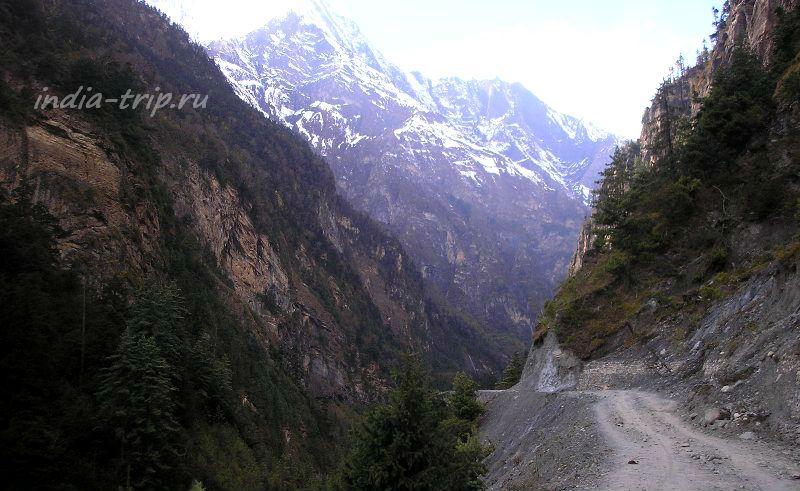 Непал, дорога на Братанг