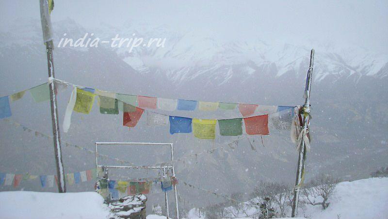 Тибетские флажки и метель