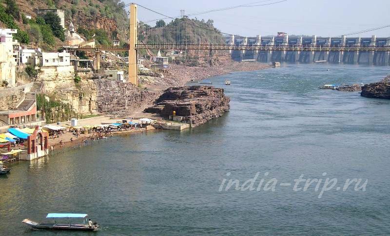 Плотина на реке Нармада