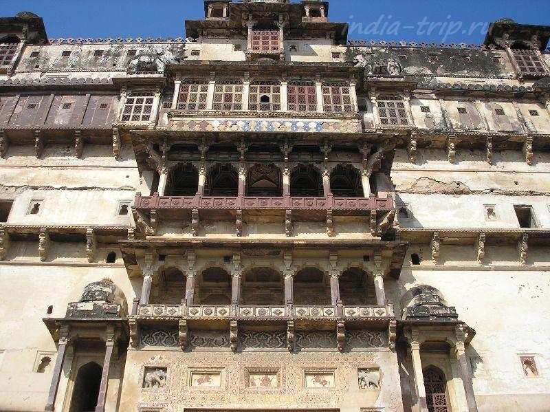 Балконы дворца