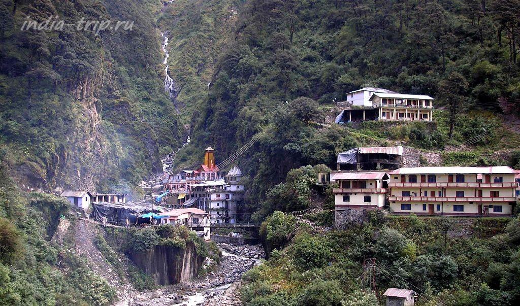 Индия, деревня в горах